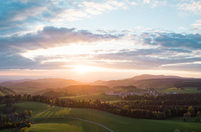 St. Märgen bei Sonnenuntergang