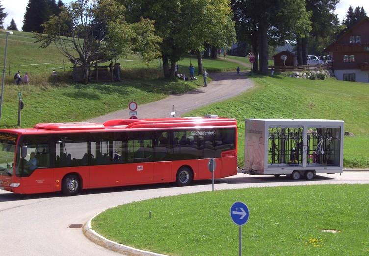 Bringen Sie bequem ans Ziel - die Radbusse im Schwarzwald.
