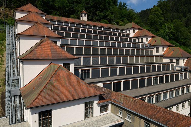 Schwarzwälder Städtchen: Junghans Terrassenbau in Schramberg
