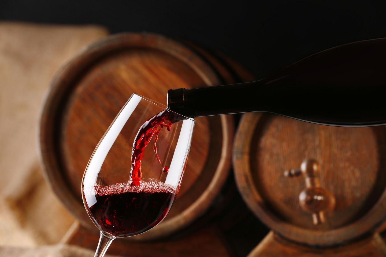 Wein Weinfass Copyright belchonock / 123rf
