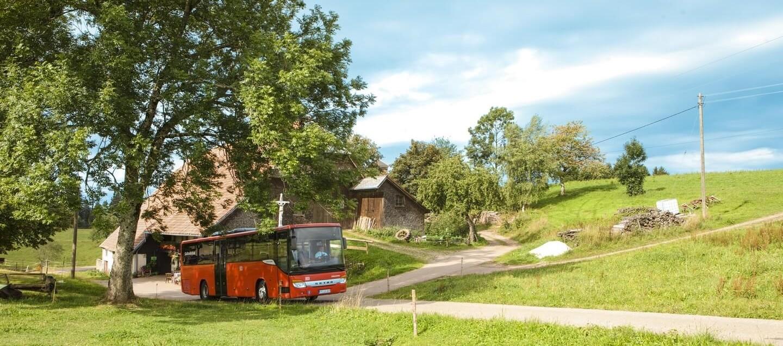 KONUS Bus