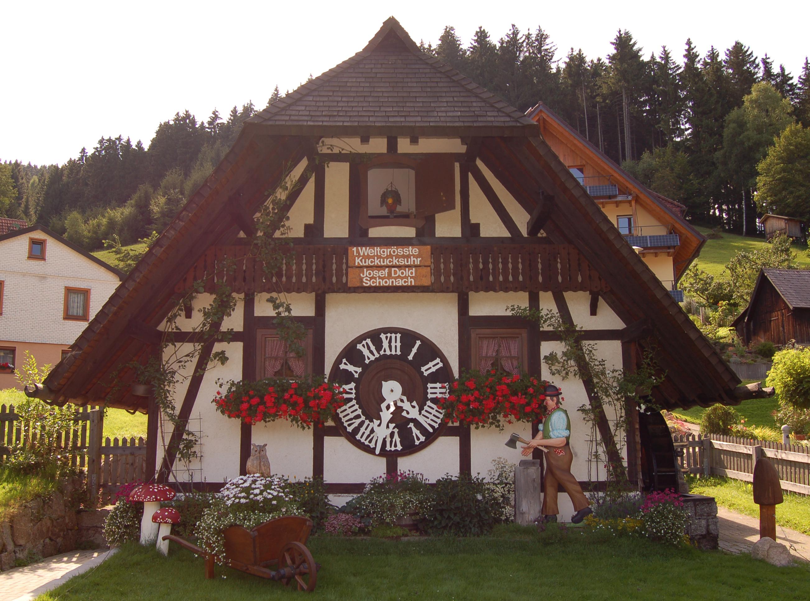 Erste Weltgrößte Kuckucksuhr in Schonach