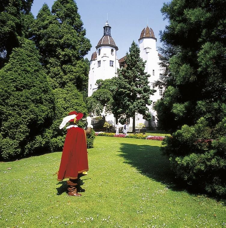 Schlosspark mit dem Trompeter von Säckingen