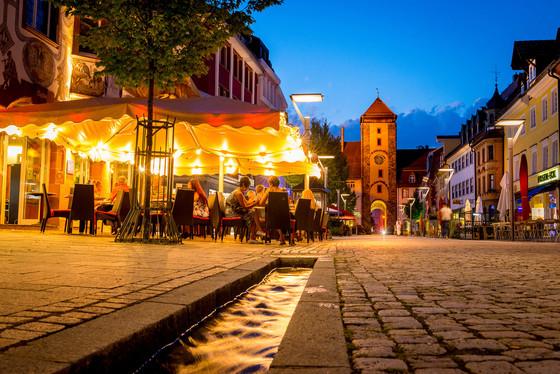 Die Innenstadt am Abend © Wirtschaft und Tourismus Villingen-Schwenningen GmbH