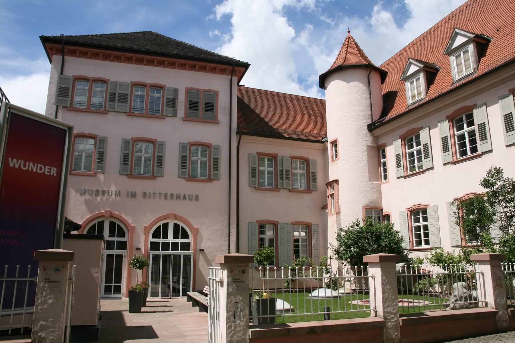 Schwarzwälder Städtchen: Museum im Ritterhaus Offenburg