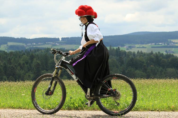 Bollenhutmädl, Fahrrad