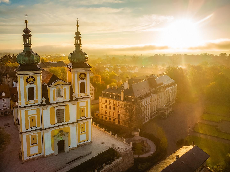 Stadtkirche St. Johann und F.F. Schloss
