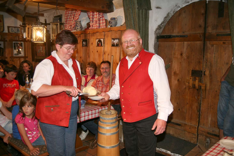 Frisch gemachte Butter in Vollmers Mühle in Seebach