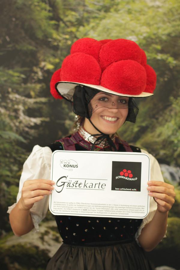 Schwarzwaldmädel mit Konus-Gästekarte