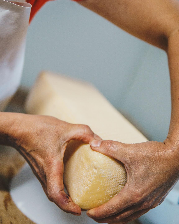 Conni's Käsemanufaktur - der Käse - Handwerk